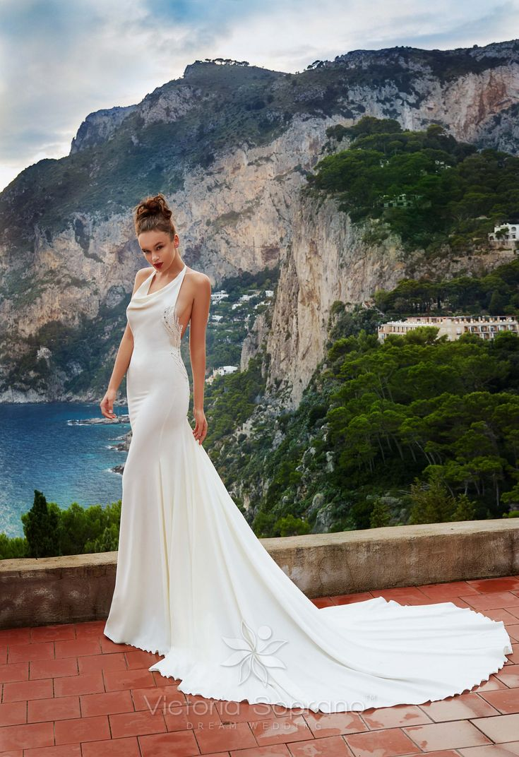 SILVIA#wedding, #weddingdress, #nefelejcsruhaszalon, #esküvőiruha,#esküvő, #menyasszonyiruha,#menyasszony