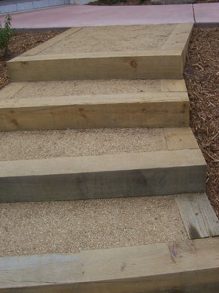 The 2 Minute Gardener: Photo - Landscape Timber Stairs with decomposed granite