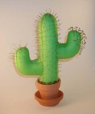 Cactus de fieltro para poner los alfileres en iManualidades.com: manualidades y bricolage