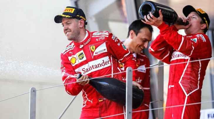 Ecco perché i big della Ferrari, Vettel, Raikkonen e Marchionne pagano le tasse nel Cantone di Zug I due piloti della Ferrari, Sebastian Vettel e Kimi Raikkonen, e il presidente della scuderia di Formula 1, Sergio Marchionne, risiedono tutti e tre nel Cantone di Zug, in Svizzera. Perché? Probabilm