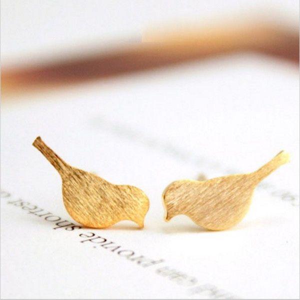 Oorknopjes - Trendy vogel oorbellen, oorknopjes goud - Een uniek product van lovelymusthaves op DaWanda