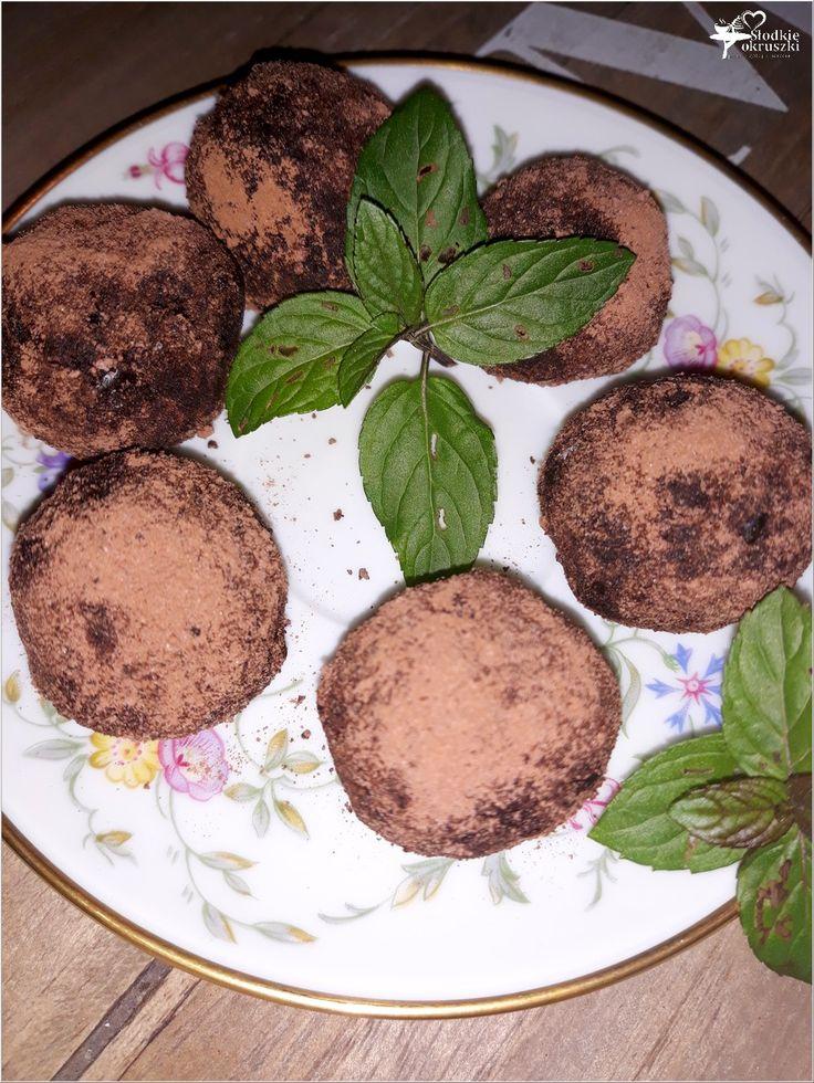 Kokosowo-kakaowe kuleczki daktylowe (zdrowe słodkości)
