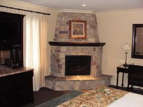 124 best images about fireplace on pinterest fireplace Corner rock fireplace designs