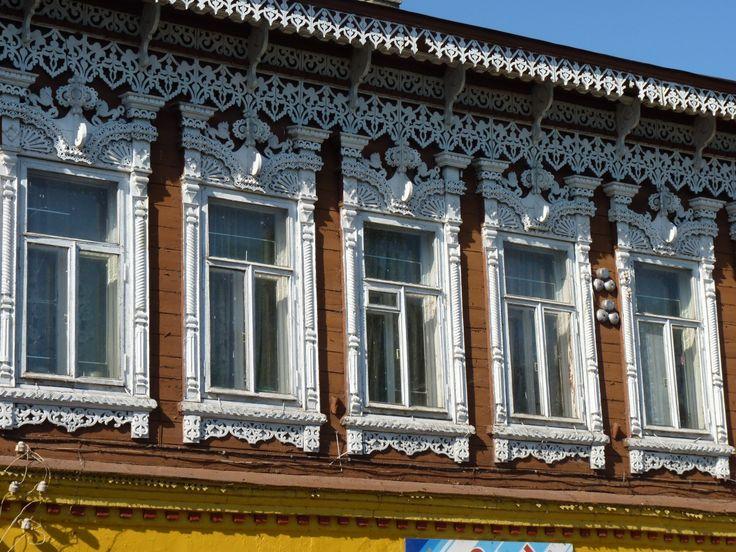 Преступное козьмодемьянское деревянное зодчество - http://nalichniki.com/prestupnoe-kozmodemyanskoe-derevyannoe-zodchestvo/