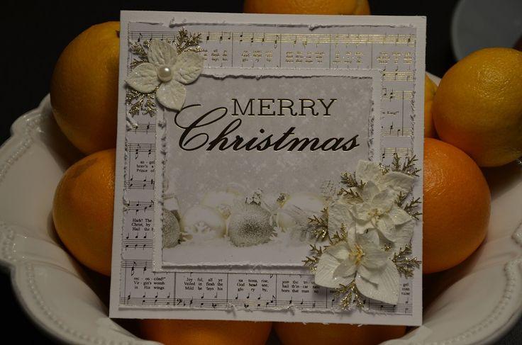 Julkort i vitt & guld - http://kristinasscrapbookingblogg.se/julkort-i-vitt-guld/ - Hej igen! Jag är återigen tillbaka med några julkort. Denna gång med papper från Kaisercraft och kollektionen: Glisten Foil Collection. Jag köpte på mig det lilla paper pad blocket (som tyvärr är slutsålt) men än finns några papper kvar i strl 12x12.  Till detta kort kombinerade jag kritvitt c...
