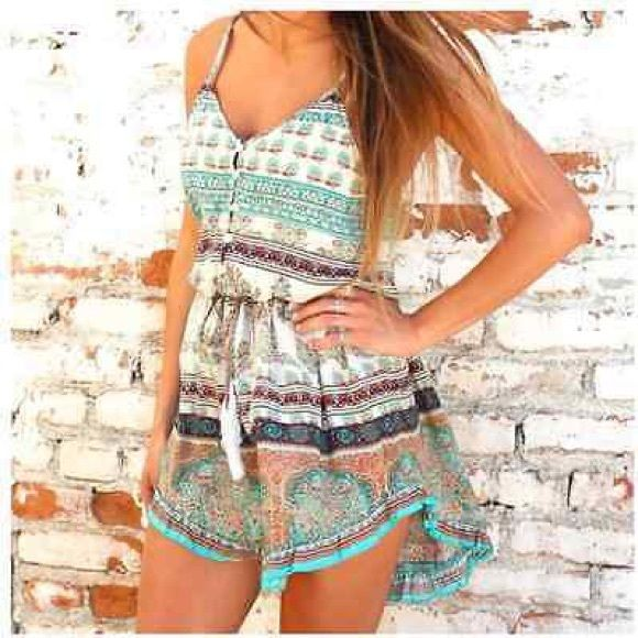 Summer paisley print jade dress Adorable mini summer dress. Pre-owned but still in great condition! Only worn a handful of times :) Dresses Mini