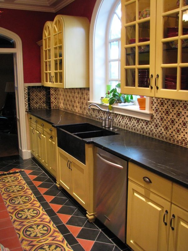 52 best our new home images on pinterest home ideas for Spanish style kitchen backsplash