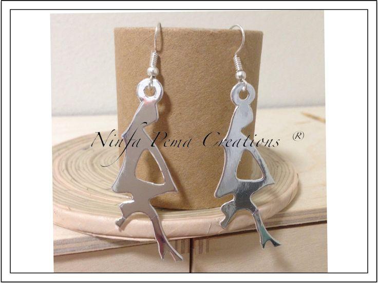 Paper earrings. By Ninfa Pema Creations