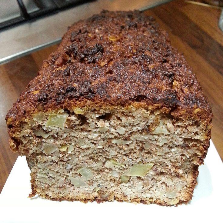 Een heerlijke appel notencake glutenvrij boordevol appel en noten. Suikervrij, glutenvrij en past bij Broodbuik. Een smakelijke traktatie bij de thee/koffie