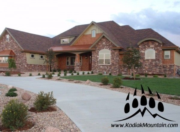 Stone Blend: Villa Stone, Shadow Ledge, Cut Fieldstone / Color: Utah | manufactured stone veneer from Kodiak Mountain Stone