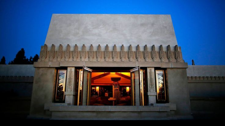 CAs Architecture | Frank Lloyd Wright at 150: Why his Los Angeles houses deserve a closer look - Pictured: Hollyhock House, designed by Frank Lloyd Wright for oil heiress Aline Barnsdall. (Barbara Davidson / Los Angeles Times)
