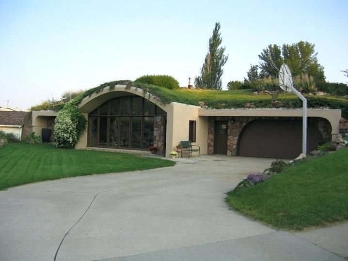 Pin By Hope Croak On Dream Home In 2020 Earth Sheltered Homes Underground Homes Earth Sheltered