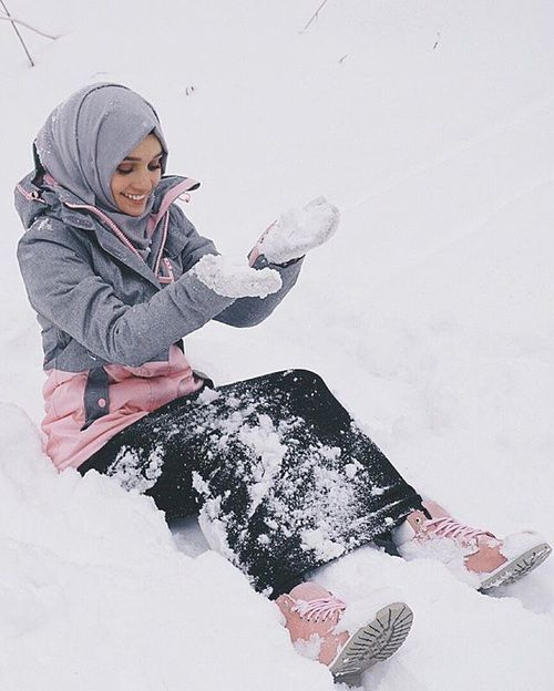 Картинка с тегом «hijab, islam, and snow»