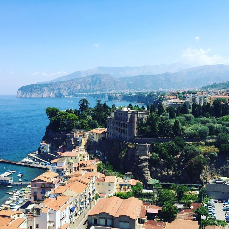 10 reasons why we love Naples (Italy)
