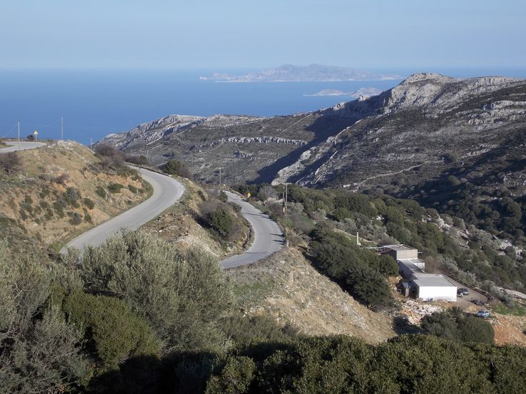 The road to Moutsouna Village on the eastern side of Naxos, Greece. photo by Ηλιασ