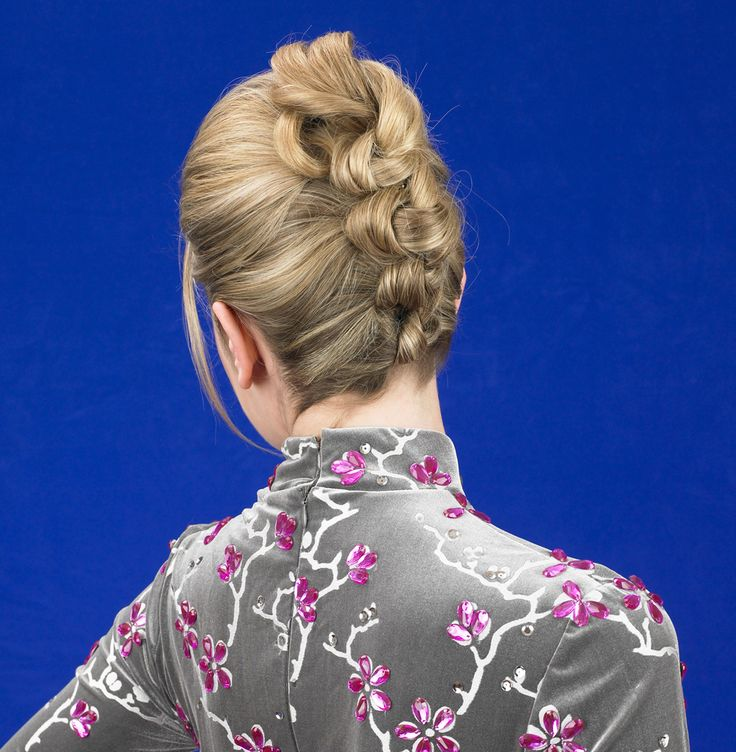 Martin Parsons Favorite Updos For A Black Tie Affair Knotted Twist Modernsalon Com 4 My