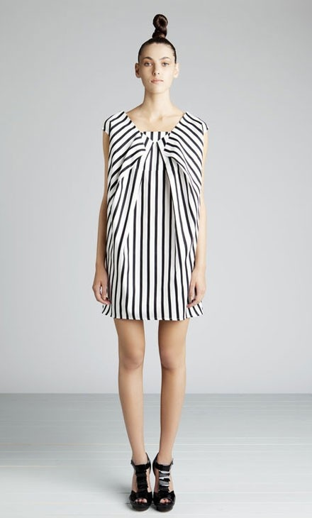 marimekko fold dress The hair really makes the look....if you want to look like an exclamation point. !