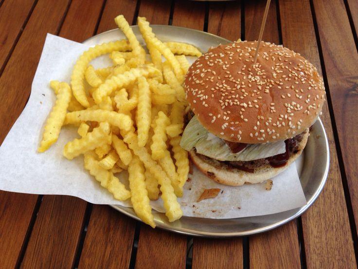 BBQ Burger mit pommes at Arminiusmarkthalle, Tiergarten - Berlin.