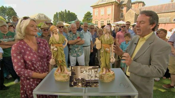 Antiques Roadshow expert stunned as collector RUBBISHES valuation: 'Whatever!' - https://buzznews.co.uk/antiques-roadshow-expert-stunned-as-collector-rubbishes-valuation-whatever -