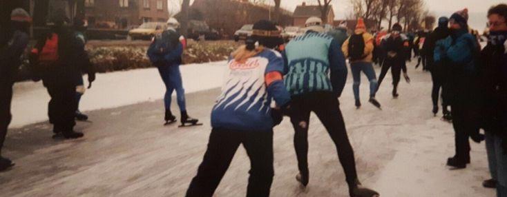 Thirza Zwakenberg uit Kampen gold in de jaren negentig als jeugdig schaatstalent en voltooide in 1997 de Friese Elfstedentocht. Jaren later gaat zij de uitdaging aan en heeft zij zich ingeschreven voor de AEW 2016. In deze editie van Humans of Flevonice blikt zij terug op haar schaatsverleden en neemt zij je mee in haar voorbereidingen op de Alternatieve Elfstedentocht!