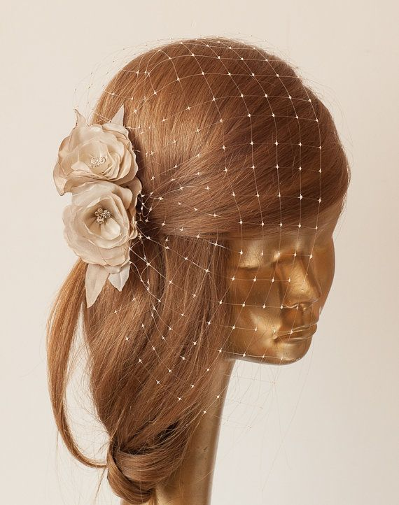 BIRDCAGE VEIL. Champagne-Nude veil .Romantic wedding Headpiece with beautifull,delicate Flowers.BRIDAL Fascinator