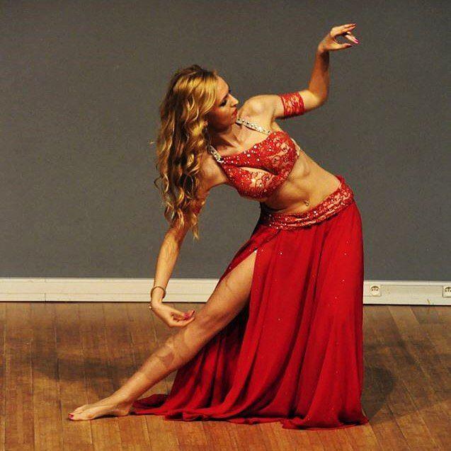 Oriental tango mood #mahtab #lovestage #bellydance #bellydancer #danseorientale #danzadelvientre #bauchtanz #taniecbrzucha #dancer #baileoriental #danzaarabe #dansadelventre #vatsatanssi #magedans #performance #danza #baile #dancadoventre #dancecoach #pokaz #show #dance #dancer #onstage #stage #dancing #danceshow #orientaltango #tango #magdans