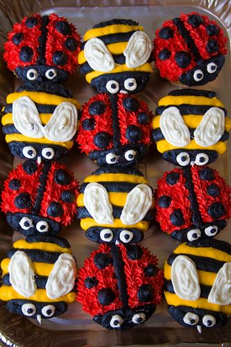bumble bee and lady bug cupcakes www.charleyandthecakefactory.com www.myspace.com/misscharleee by Charley And The Cake Factory, via Flickr