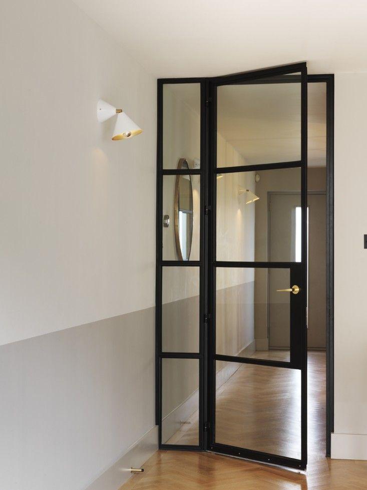 Hoge stalen deur | mooi bij entree.