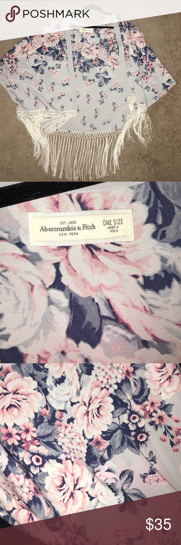 Abercrombie & Fitch kimono A&F kimono, in perfect condition and never worn. Tassles at the bottom of the kimono Abercrombie & Fitch Other
