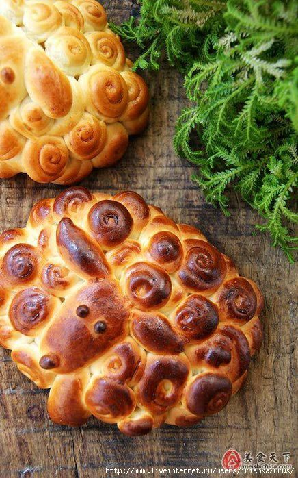 Sheep bread, seriously cool loaf of bread, wonder who I can get to make it for me?