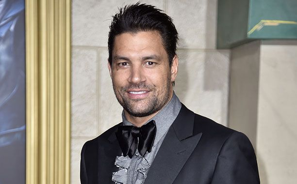 Manu Bennett is going fantasy in his next role. EW has confirmed that the Arrow star has been cast in a series regular role on MTV's upcoming fantasy series.