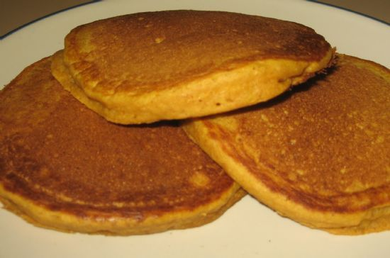Whole Wheat Pumpkin Pancakes Recipe: Just 74 calories per serving. Tastes like FALL! | via @SparkPeople #breakfast #autumn #food