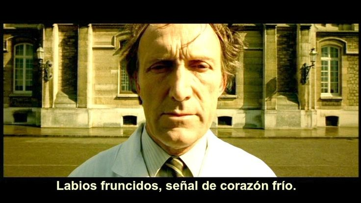 Raphael Poulain: Labios fruncidos, señal de corazón frío. #Amélie