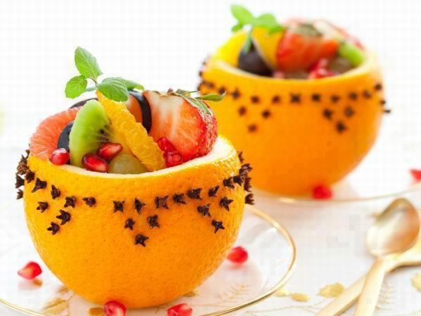 yılbaşı sofrası için meyve sepeti
