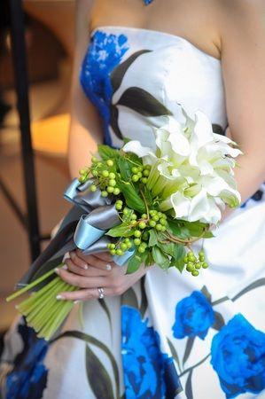 カラーブーケ/花どうらく/ブーケ/http://www.hanadouraku.com/bouquet/wedding/