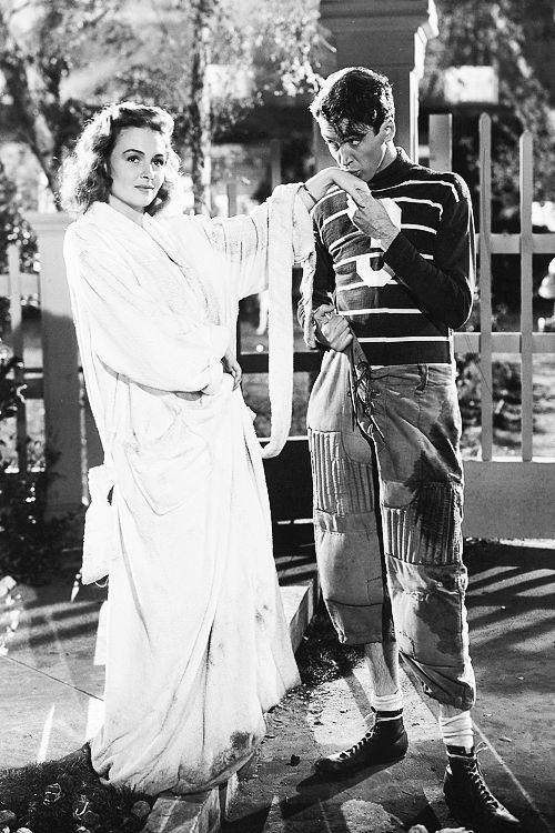 """Donna Reed y James Stewart en """"Qué bello es vivir"""", 1946."""