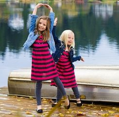 While you may not want to make an everyday habit of dressing your children in coordinating outfits, it can be the perfect way to pull everyone together for a family portrait or special occasion.