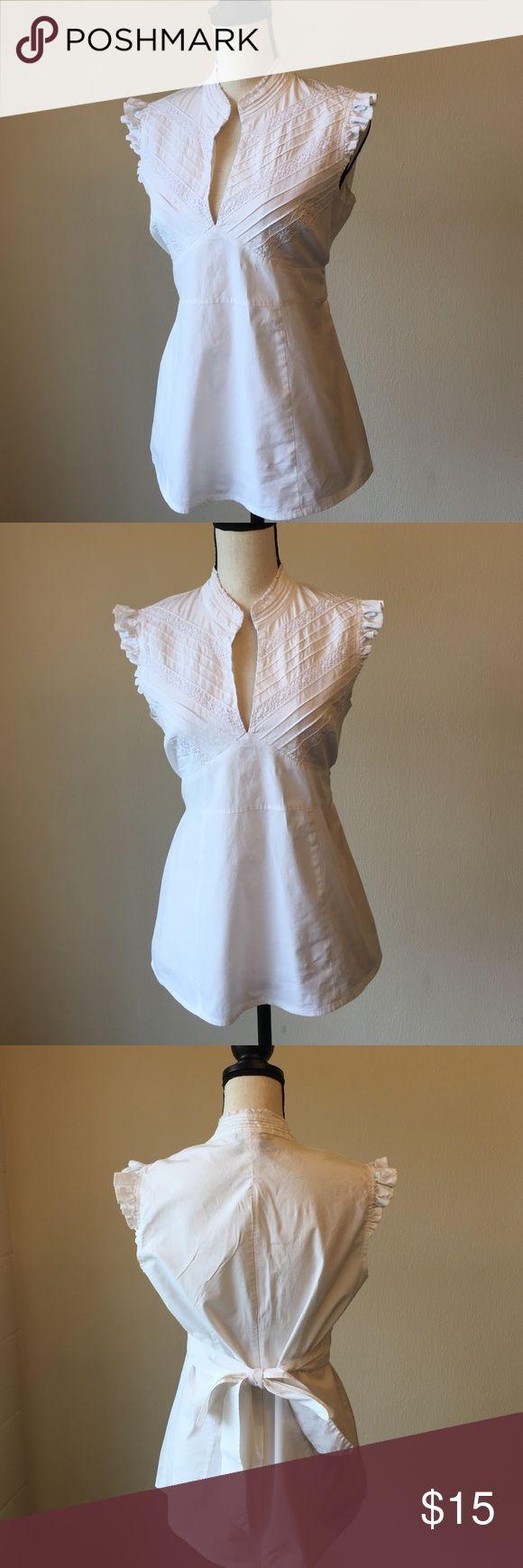 BCBGMAXAZRIA embroidered detail blouse 👚🎀 Good condition. 97% cotton/3% spandex. Zipper in back. BCBGMaxAzria Tops Blouses