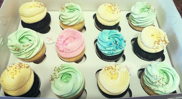 Unknown gender baby shower cupcakes