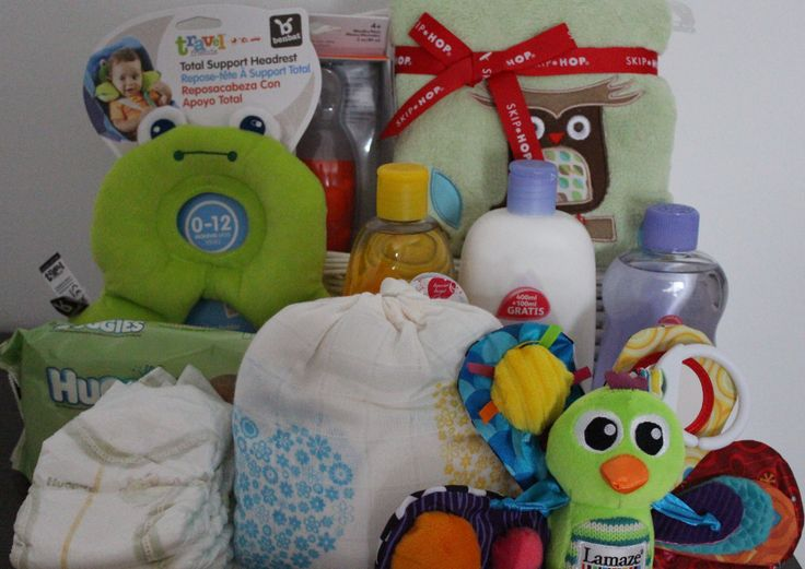 Cesta de bebé para regalar http://www.mibabyclub.com/tienda-bebes/cestas-para-bebes/cesta-regalo-bebes-completa.html