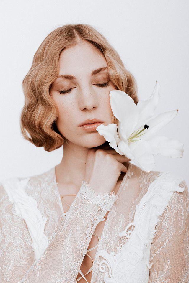 Nora Sarman Body bodysuit / make up Sara Skrionya / photo Pinewood Weddings / Nora Sarman