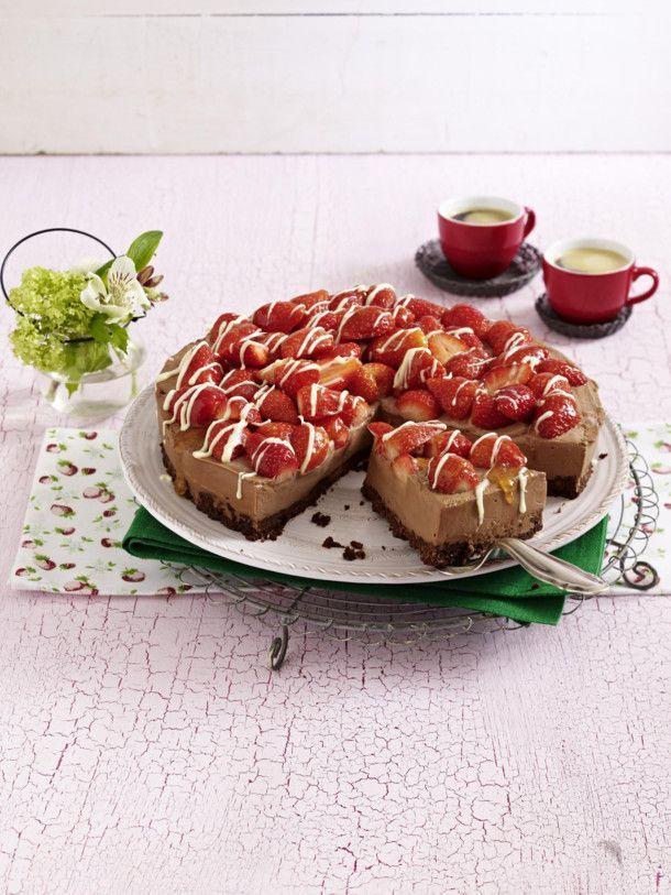 Schoko-Käsekuchen mit Erdbeeren – #Erdbeeren #mit #SchokoKäsekuchen – #Erdbeer…