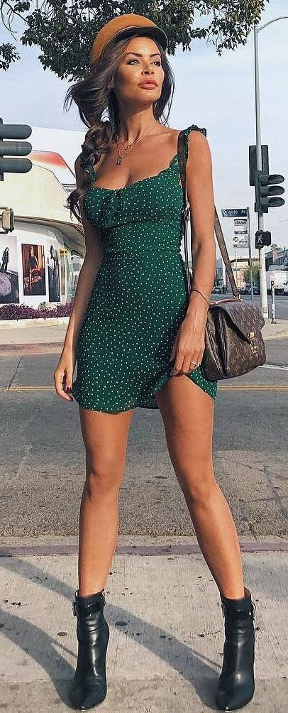 cool summer outfit idea / brown hat + green dress + bag + boots