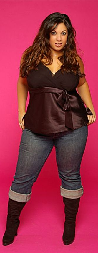 brunette Big curvy plus size women are beautiful! fashion curves real women accept your body body consciousness