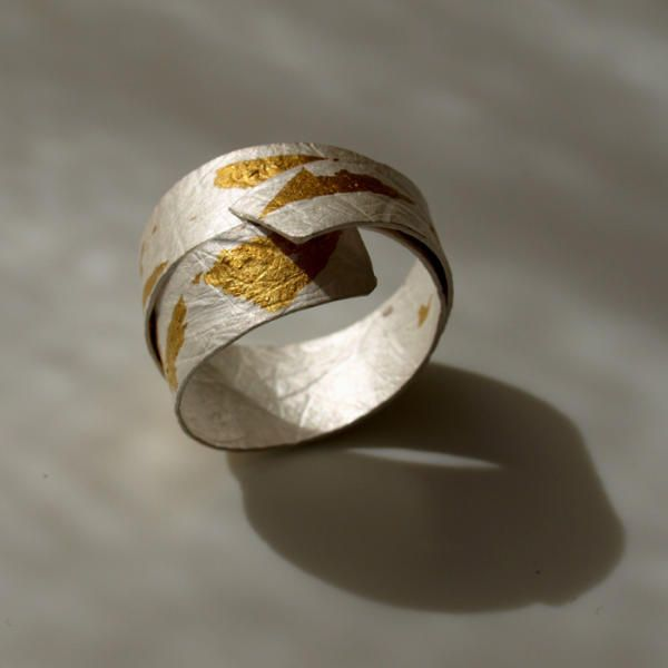 Handmade curled ring | Microfficina