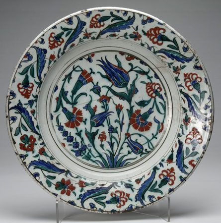National Museums of Scotland - This ceramic dish was made in Turkey in the 16th or 17th century.