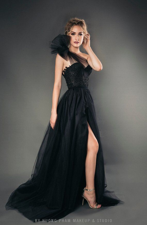 38c3e84a8 Black Wedding Dress
