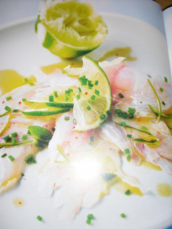 Cyril Lignac Carpaccio de bar, sauce soja-citron vert.