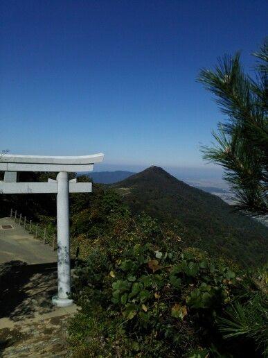 弥彦山頂からの風景