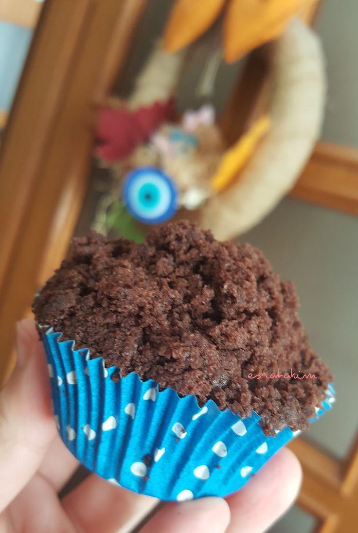 Son olarak Dr.Oetker Modern Tarifler serisinden Köstebek Cupcake'i yaptım. Kutunun içinden 10 tane kağıt cupcake kalıbı çıktı, de...